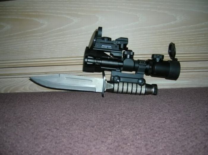 [Image: scoped-knife.jpg]